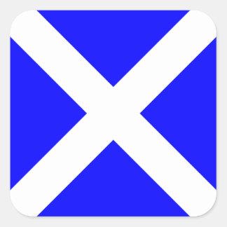 Letra náutica M (Mike) de la señal de la bandera Pegatina Cuadrada