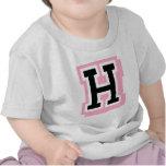 letra rosada negra H Camiseta