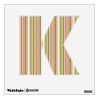 Letra rosada y verde K de la raya en sombras de la Vinilo Decorativo