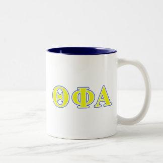 Letras amarillas de la phi de la theta y azules taza de dos tonos