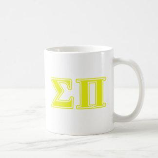 Letras amarillas de la sigma pi taza de café