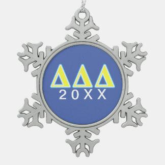 Letras azules y amarillas del delta del delta del adorno de peltre en forma de copo de nieve