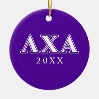Letras blancas de la ji de la lambda y púrpuras adorno navideño redondo de cerámica