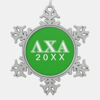 Letras blancas de la ji de la lambda y verdes alfa adorno de peltre en forma de copo de nieve