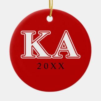 Letras blancas y rojas de la orden alfa de Kappa Adorno Navideño Redondo De Cerámica