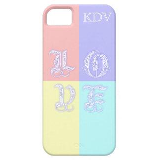 Letras de amor en colores pastel del monograma iPhone 5 fundas