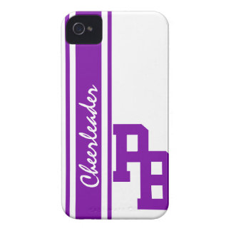 Letras de equipo universitario púrpuras iPhone 4 Case-Mate funda