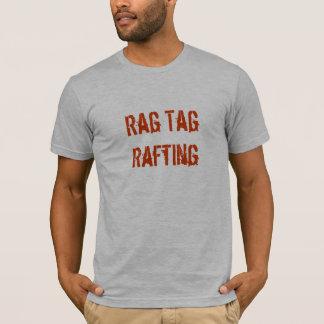 Letras del naranja de la camiseta w de R-T-R