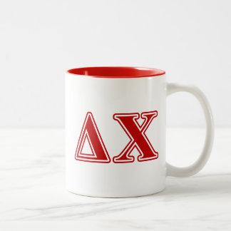 Letras del rojo de la ji del delta taza de café de dos colores