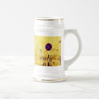 letras enjauladas jarra de cerveza