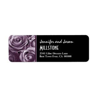 Letras modernas de los rosas púrpuras de la lavand etiquetas de remite