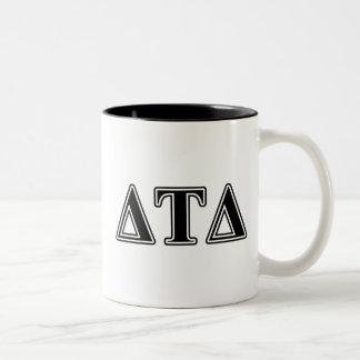 Letras negras del delta del Tau del delta Taza De Café