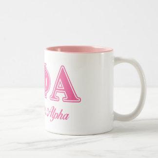 Letras rosadas alfa de la phi de la theta taza de dos tonos