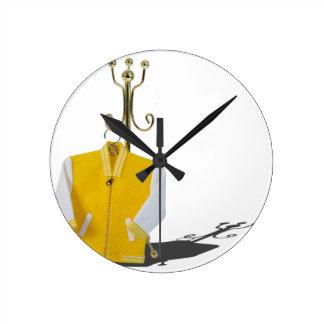 LettermanJacketCoatRack031415.png Reloj Redondo Mediano