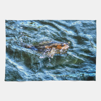 Leucomas que pescan el arte que se divierte del pe toalla de mano