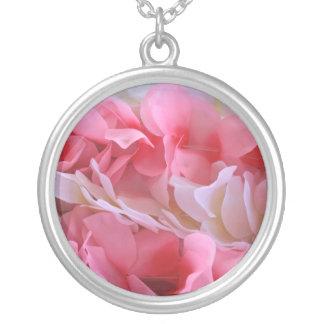 leus blancos rosados joyerías