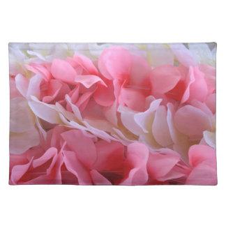 leus blancos rosados mantel