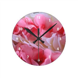 leus blancos rosados relojes