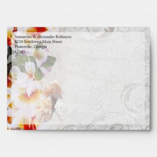 Leus de la orquídea del Plumeria en el boda de Sobre