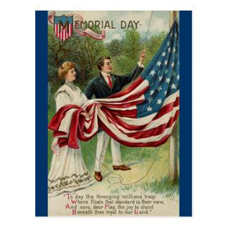 Levantamiento de la bandera el Memorial Day Tarjetas Postales