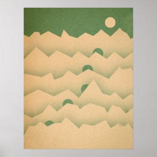 Levantamiento de la luna de la montaña poster