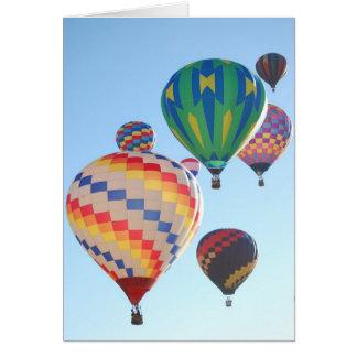 Levantamiento de los globos del aire caliente tarjeta de felicitación