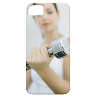 Levantamiento de pesas. Pesas de gimnasia de eleva iPhone 5 Case-Mate Protector
