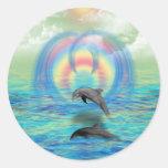 Levantamiento del delfín etiqueta redonda