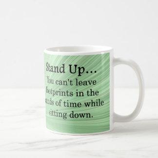 Levántese y tome medidas taza