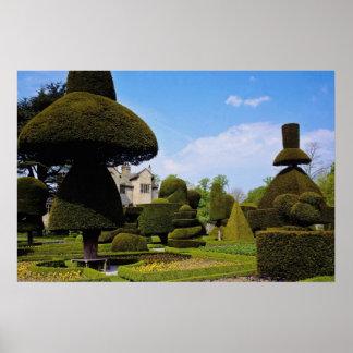 Levens Pasillo, jardín del topiary, Cumbria, Ingla Poster