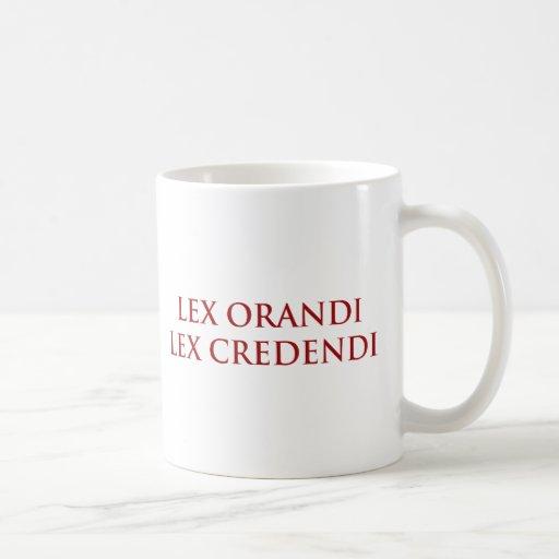 Lex Orandi Lex Credendi en rojo Taza De Café