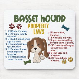 Leyes 4 de la propiedad de Basset Hound Mouse Pads
