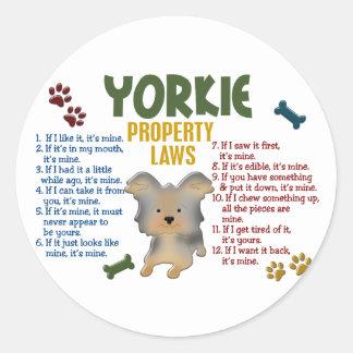 Leyes 4 de la propiedad de Yorkie Pegatinas Redondas