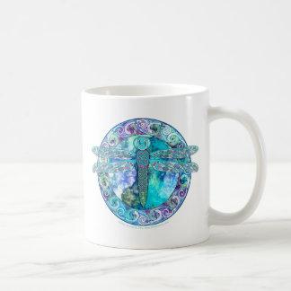 Libélula céltica fresca taza