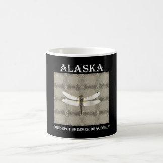 Libélula de la desnatadora del punto de Alaska Taza De Café