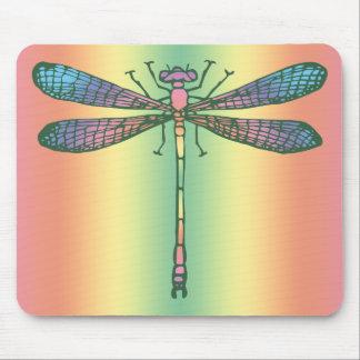 Libélula del arco iris alfombrilla de ratones