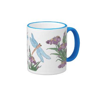 Libélula e iris azules tazas de café