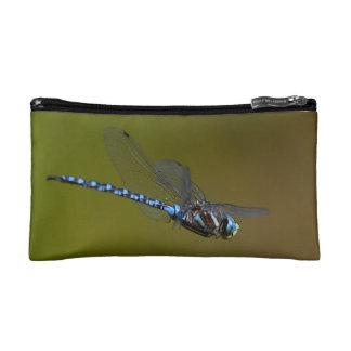 libélula en vuelo