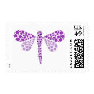 Libélula púrpura y blanca del Pointillism elegante Franqueo