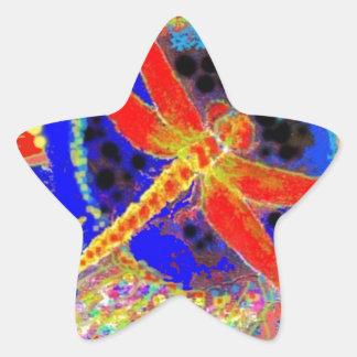 Libélula roja en laguna azul por SHARLES Pegatina En Forma De Estrella