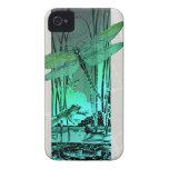 Libélula y rana verdes en la charca Case-Mate iPhone 4 coberturas