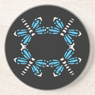 Libélulas azules en el carbón de leña, práctico de posavasos personalizados