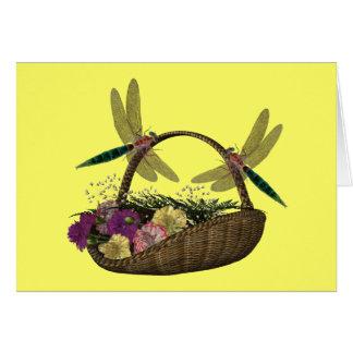 Libélulas en tarjeta de la cesta de la flor