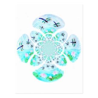Libélulas, modelo de flores del lirio postales