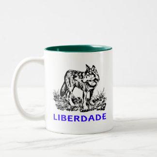 Liberdade - Lobo em estado selvagem Tazas De Café