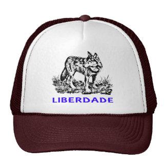 Liberdade - Lobo em estado selvagem Trucker Hat