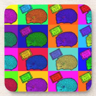 Libere el arte pop colorido del erizo de los abraz posavasos de bebidas