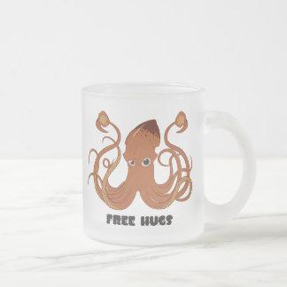 Libere la taza de café helada calamar de los