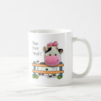 Libere su mente - vaca taza clásica