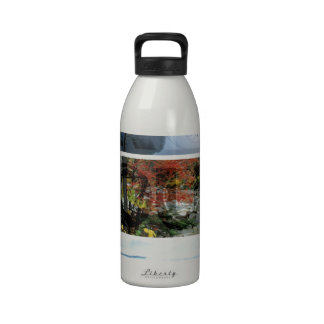 Libere su paisaje panorámico de la mente - explore botella de beber